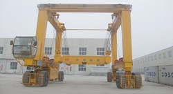 Engine Hoist - Tyred Gantry Crane