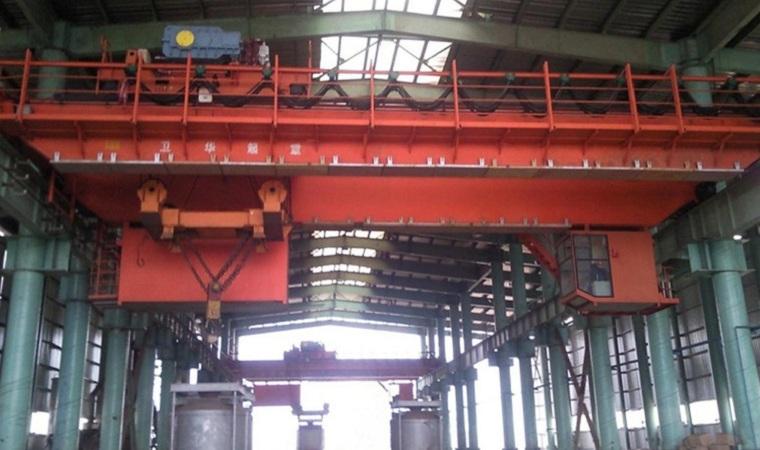 Intelligent metallurgical materials handling crane