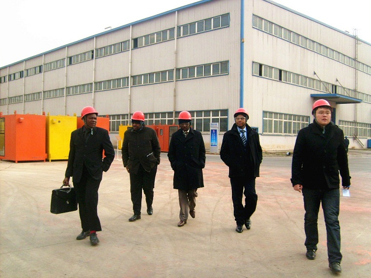 Nigeria customer visit Weihua Cranes workshop