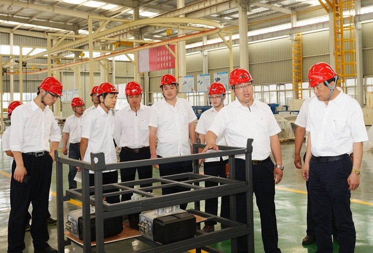 Weihua Cranes Technicians in Workshop